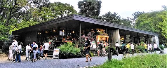 話題の吹田市千里南公園の誘致カフェ~市民で賑わっています♪
