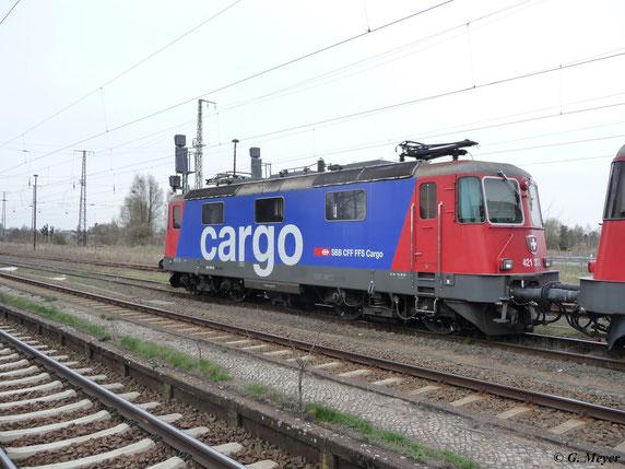 Am 19. April 2013 stehen gleich drei Loks der BR 421 in Luth. Wittenberg Hbf. 421 373-2 zusammen mit 421 376-5 und 421 377-3