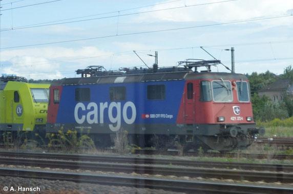Kurz vor Pirna Hbf. konnte ich am 16. August 2014 aus dem Zug heraus unter anderem 421 372-4 ablichten