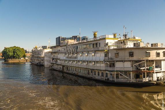 Schiff auf dem Río de la Plata