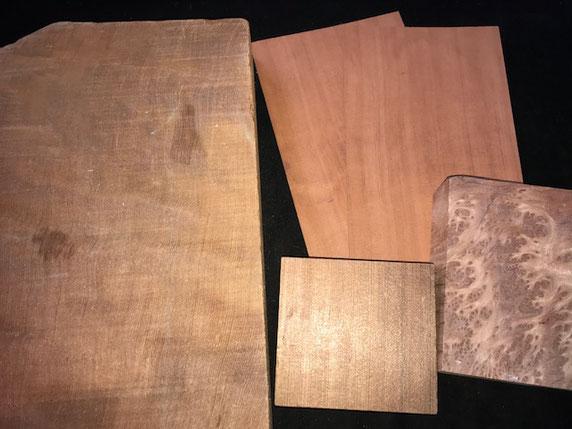 左がおすぎ、右がピーコ、いやレッドウッドの柾目とレースバール
