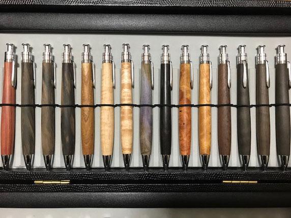 ルーチェペン(ノック式ボールペン)