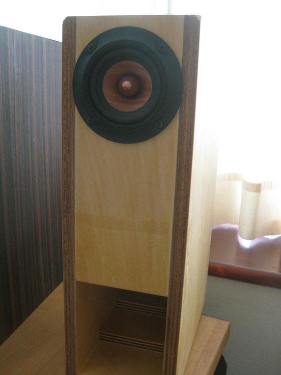 サペリ材のウッドコーン
