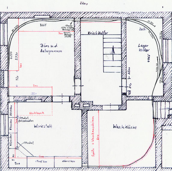 Als Platzhalter eine Skizze des ganzen Keller. Die Gleisanlagen stellen noch den Stand von vor 2012 dar. Die roten Linien bezeichnen den Unterbau.