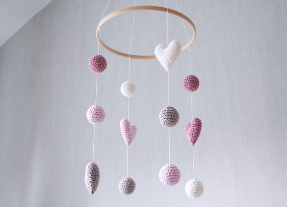 crochet baby mobile with hearts and balls