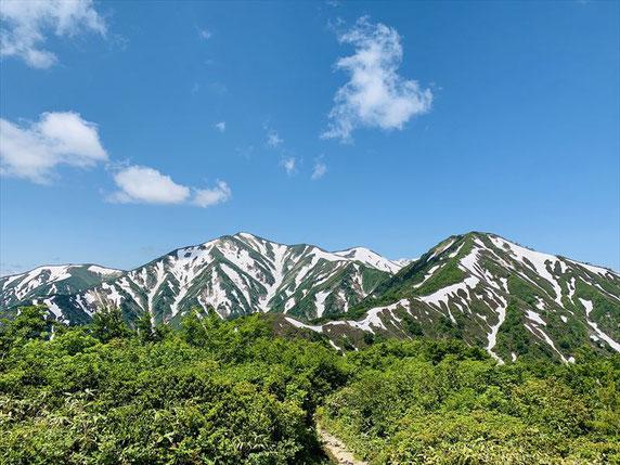 ▲鳥原山展望台からの絶景