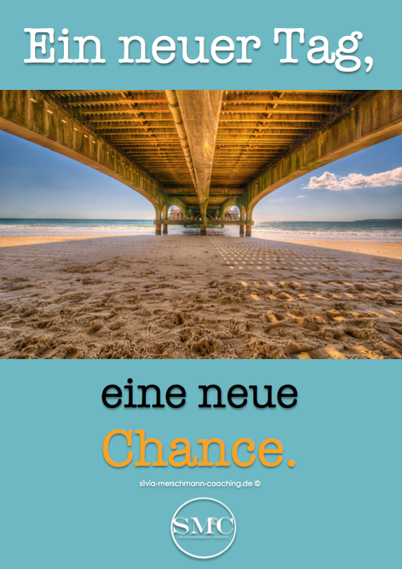 Brücke und Sandstrand. Bild mit Text.