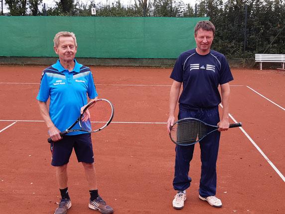 von links Manfred Bertelsmann und rechts Andreas Lerch vor dem Finale.