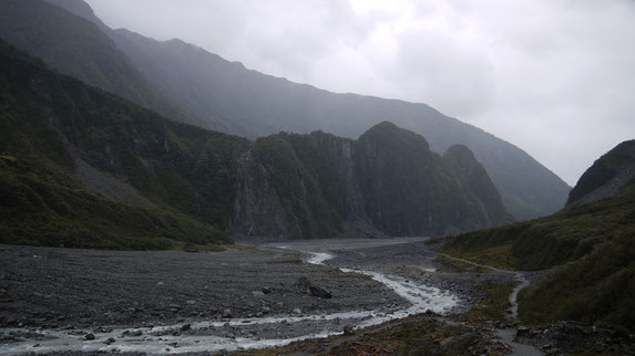 fox glacier river bed