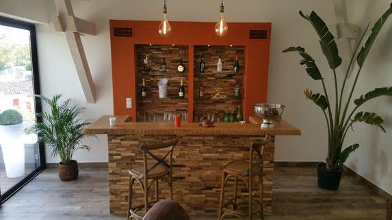Bar en bois massif