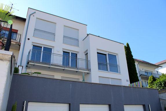 architekturbuero_waessa_sanierung_einfamilienhaus_bruchsal_ansicht_strasse_stellplatz