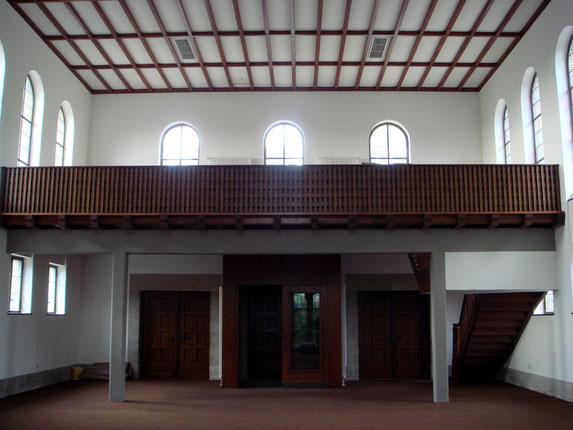 architekturbuero_waessa_sanierung_aussegnungshalle_bruchsal_ansicht_empore