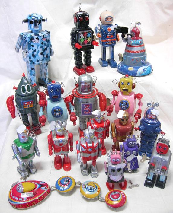 robots, juguetes de hojalara, juguetes retro, ovni, nave espacial