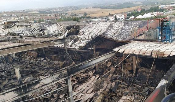 Пожар уничтожил четыре склада с хамонами
