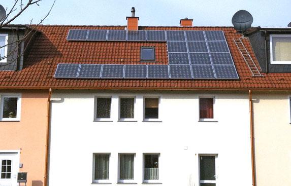 Reihenhaus mit Photovoltaik.
