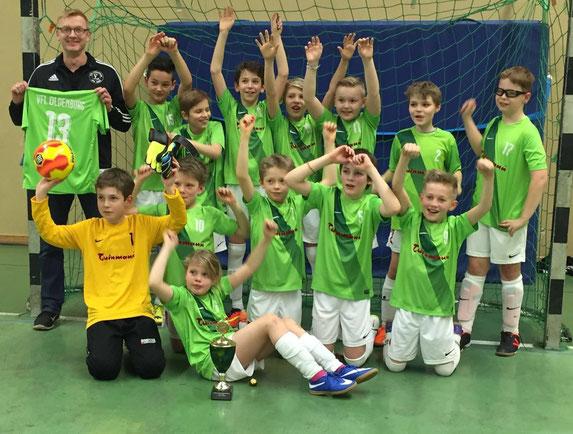 Mit 6 Punkten Vorsprung, 9 Siege, 2 Niederlagen und einem Unentschieden, Futsalmeister 2015/16 VfL Oldenburg U11