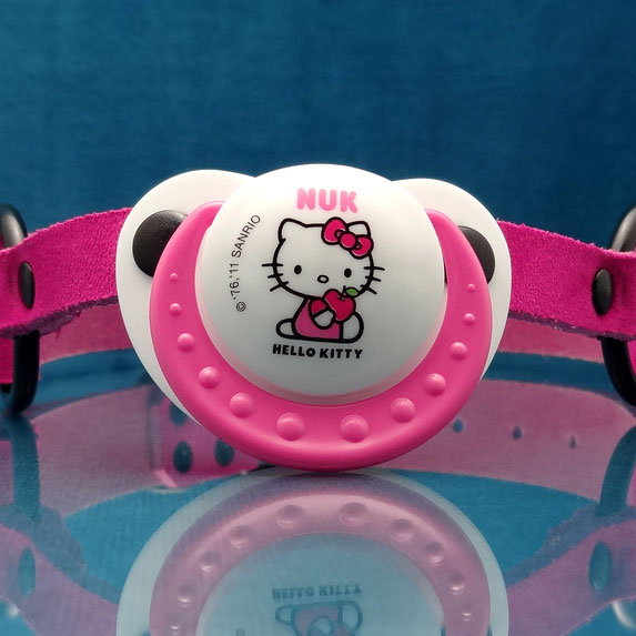 pacifier gag pink pacifier gag pink leather pacifier gag paci gag hello kitty pacifier gag adult pacifier gag roze fopspeen gag roze leren gag roze hello kitty gag leren fopspeen gag ddlg gag abdl gag abdl pacifier ddlg pacifier ageplay pacifier gag