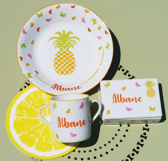 Vaisselle ananas personnalisée pour un enfant