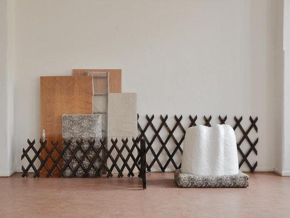Barne, Holz, Matratzen, Rigips, Keramik, 160x432x143 cm