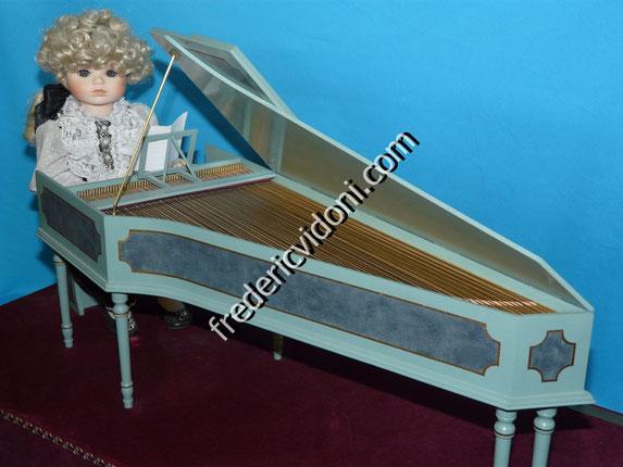 MOZART - automate en porcelaine - 11 mouvts synchronisés - clavecin ou piano