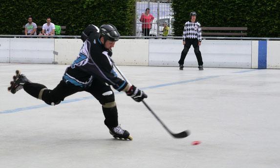 Janik Schwedler ist Kapitän und Trainer der Rüsselsheim Royals. Seit 2008 ist er im Verein.