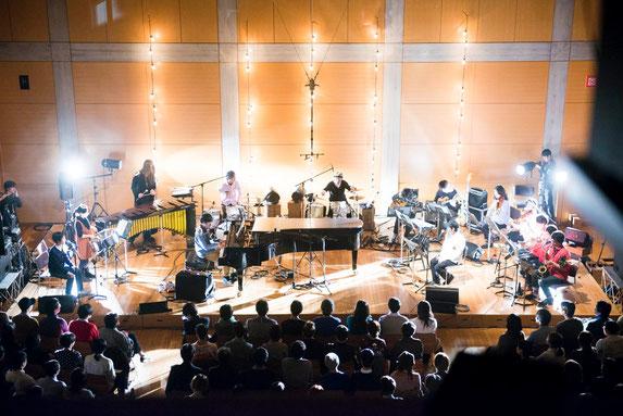 蓮沼執太フィル・ニューイヤーコンサート2013 オペラシティ・リサイタルホール  撮影:後藤武浩