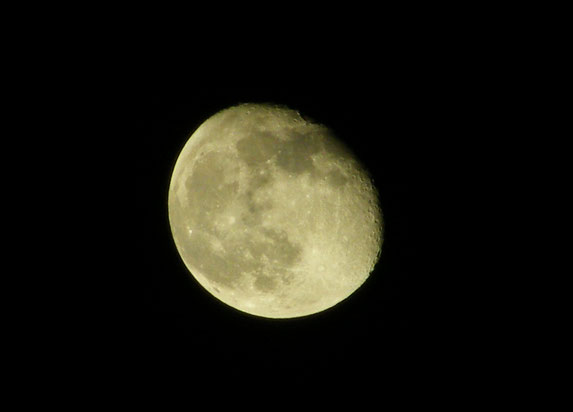 Ein gelungenes Mondfoto mit unserer Fuji Kamera