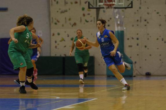 Arianna Lucci in azione. Per lei 21 punti all'esordio - Guido Fissolo ph.