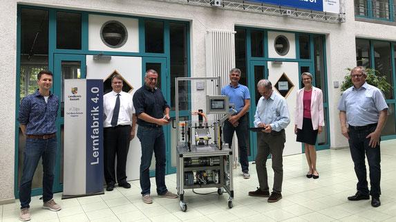 """Entwickelten das Konzept des """"Murgtal Moduls für Industrie 4.0"""": Fritz Automation GmbH Forbach, Carl-Benz-Schule Gaggenau, Josef-Durler-Schule Rastatt, Arbeitskreis Industrie 4.0 der IHK Karlsruhe"""