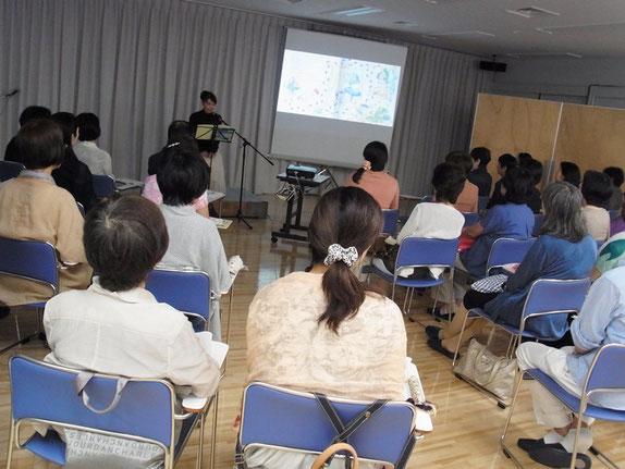 NHK横浜カルチャーでの読み聞かせイベント風景