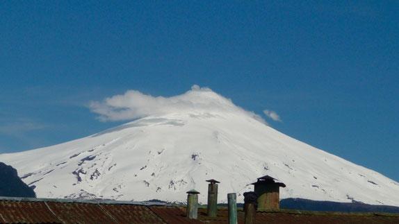 The active Villarica volcano