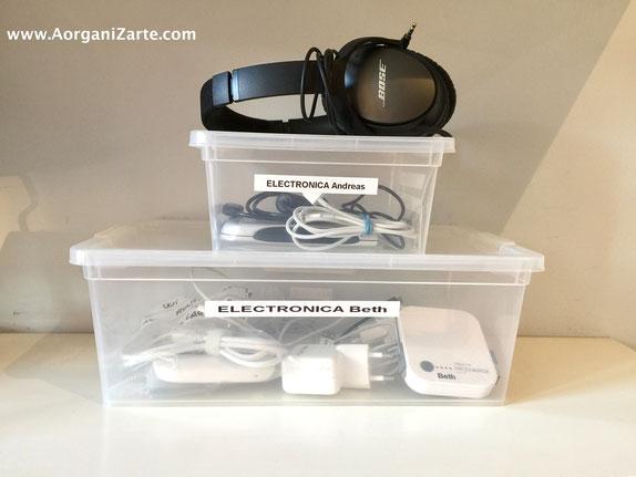 guarda los cargadores de cada persona en una caja transparente - AorganiZarte.com