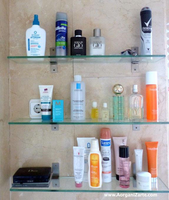 Ten siempre los estantes del baño muy ordenados - AorganiZarte