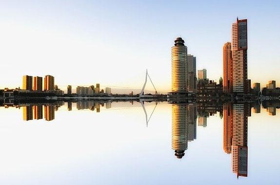 Skyline Rotterdam haven