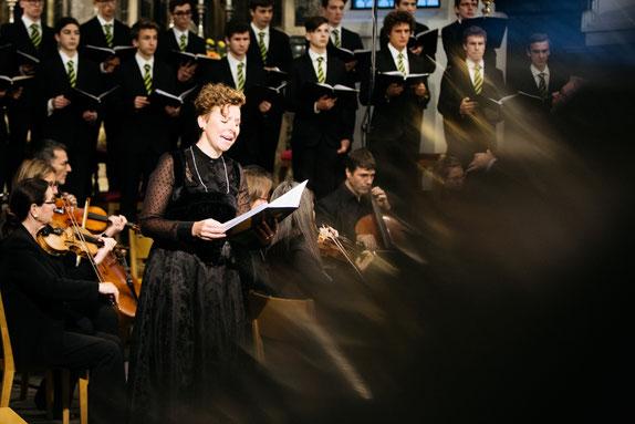 Solojodlerin Nadja Räss als Dorothea in der Kantate von Joël von Moos. Bild: Maximilian Lederer