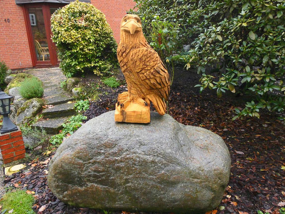 Adler aus Robinie ca. 80cm