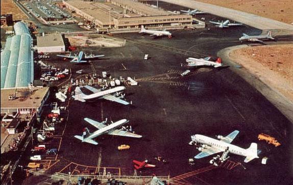 1950s : Idlewild Airport , New York