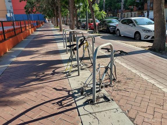 Las bicicletas en Valencia ciudad no se salvan de la acción  de los incivicos