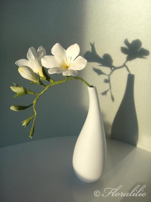 essbare blumen floralilie sugar art. Black Bedroom Furniture Sets. Home Design Ideas