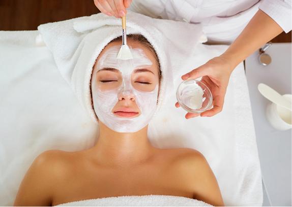 Möchtest du dir und deinem Aussehen einfach mal etwas Gutes tun und den Alterungsprozess deiner Haut verlangsamen, oder gibt es bestimmte Hautprobleme, mit denen du dich überhaupt nicht wohlfühlst?