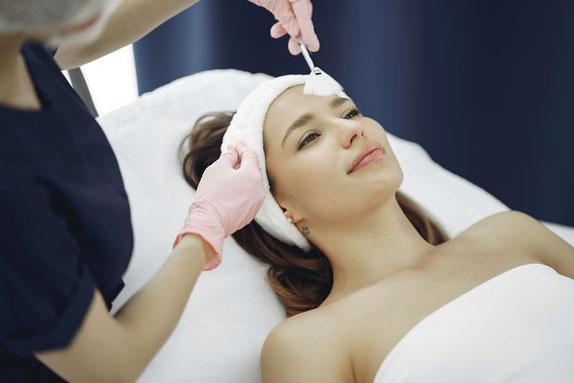 Reinigung, Pflege und Entspannung für Ihre Haut