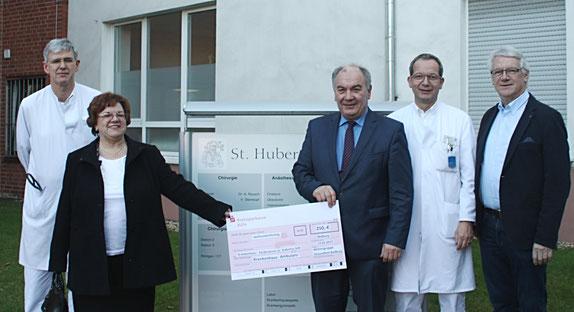 Chefarzt Dr. Andreas Kramer, Petra Kippels, Achim Niepel, Dr. Anton Rausch und Norbert Pleuß