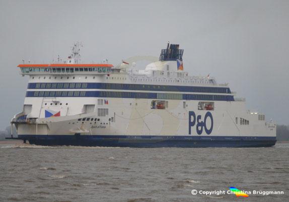 P&O Fährschiff SPIRIT OF FRANCE passierte die Elbe auf dem Weg nach Blohm + Voss, 15.01.2019