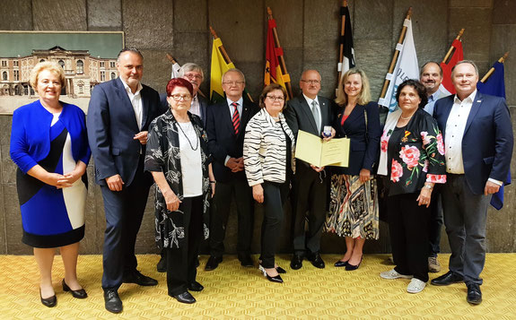 Hans Tauber und seine Frau (Mitte); mit Vertretern der Burgenlandes und der SPD Bayreuth