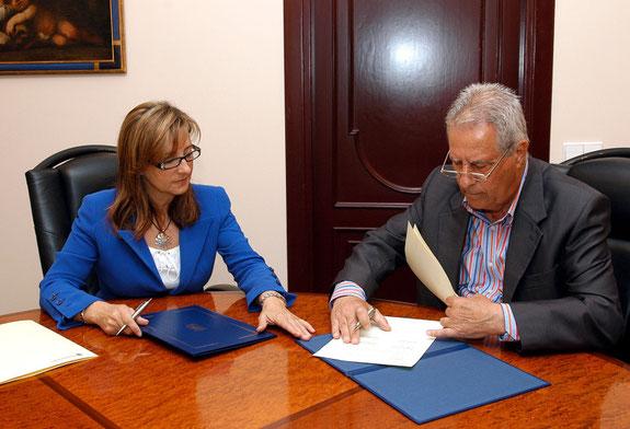 Firma convenio Ayto. Jerez de la Ftra.