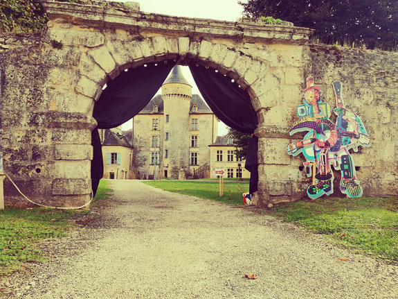 Les 6 coups du brigadier, festival de théatre amateur - Dordogne - Château de Pelvezy - Le parc