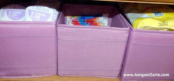 Utiliza cestas para contener productos de higiene íntima - AorganiZarte