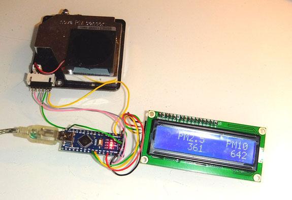 Bild: Feinstaubsensor mit Prozessor und Display - Foto: Frank Pliquett