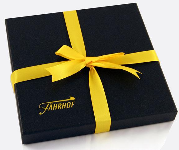 Cajas para pañuelo personalizadas y manipuladas