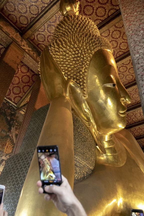 Gulintis Buda Wat Pho šventykloje Bankoke - trečiasis pagal dydį Tailande